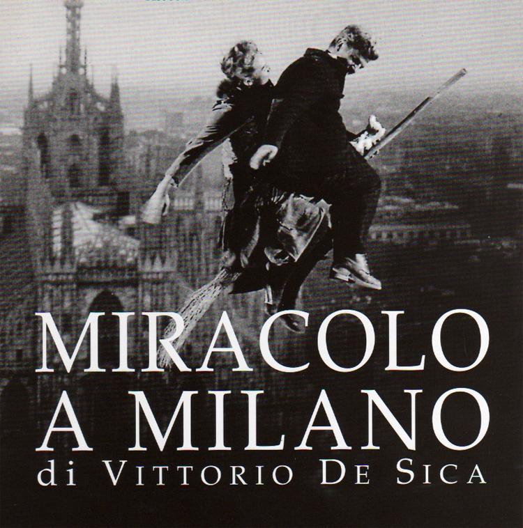 """Cartel sobre fotograma de película """"Miracolo a Milano"""""""