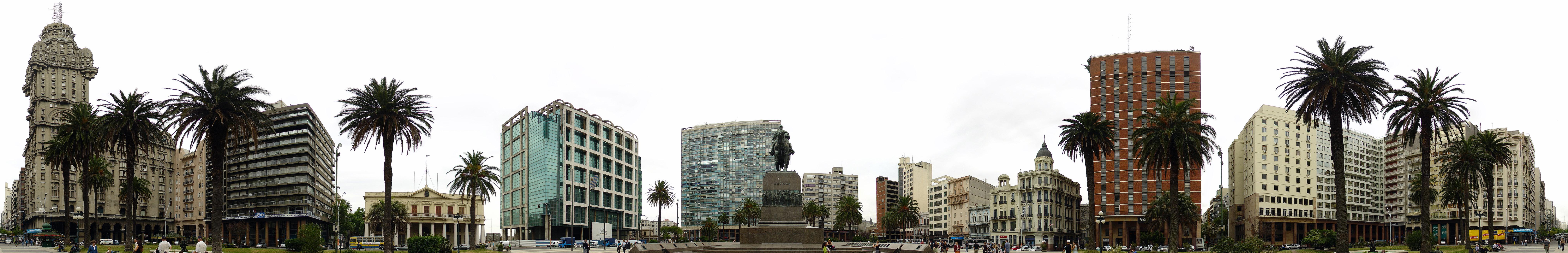 Montevideo_Décembre_2007_-_Plaza_de_Armas_2