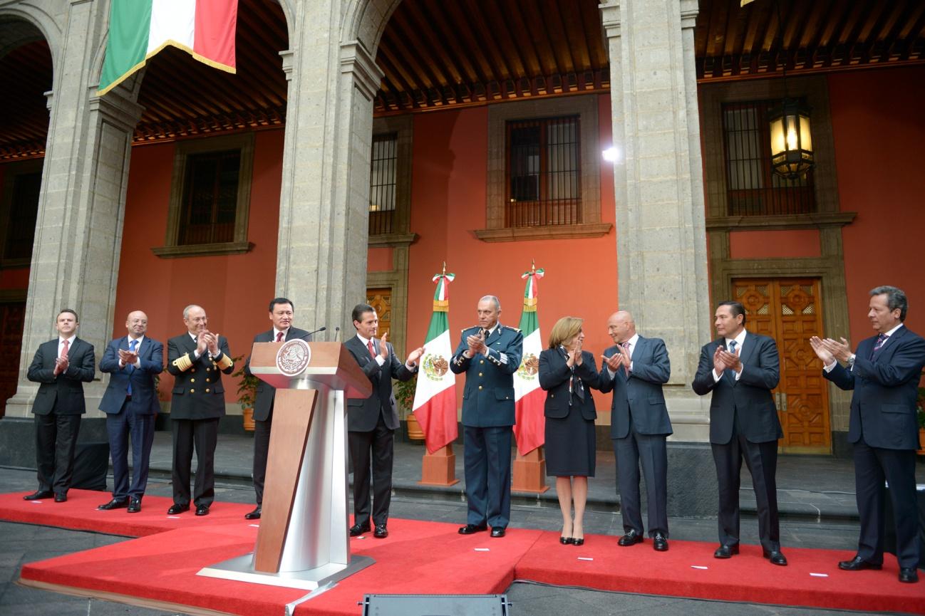 El aplauso por la captura de Joaquín Guzmán, tras el anuncio del Presidente Enrique Peña Nieto | Foto: Presidencia de la República, México.