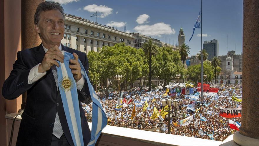 Mauricio Macri asume el gobierno argentino.