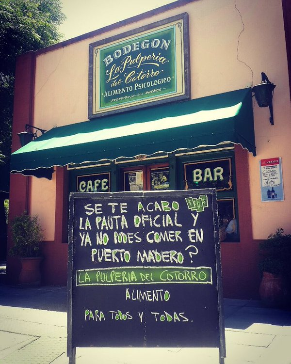 En Argentina la malversación de fondos públicos en publicidad del Estado es tan notoria que ha dado lugar a que el tema se traslade a la oferta gastronómica | Foto: Jorge Dell'Oro