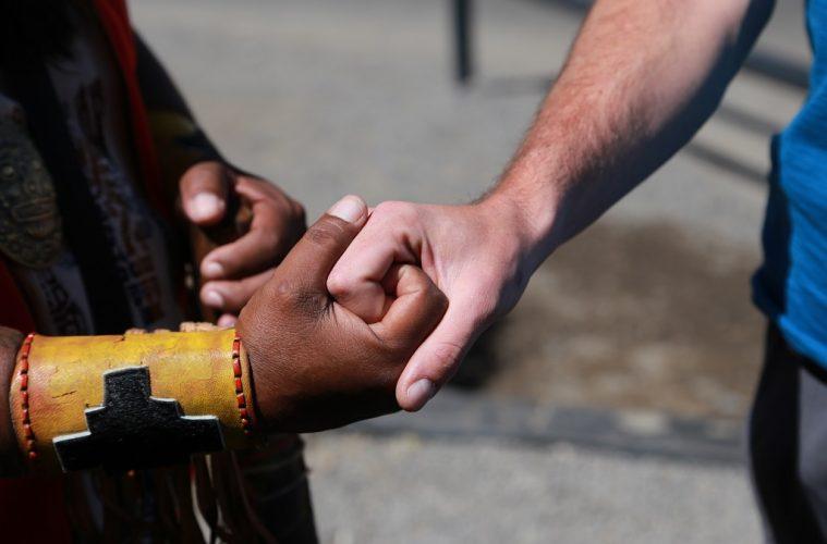 En democracia, el acuerdo es el resultado final del diálogo, la superación final del conflicto