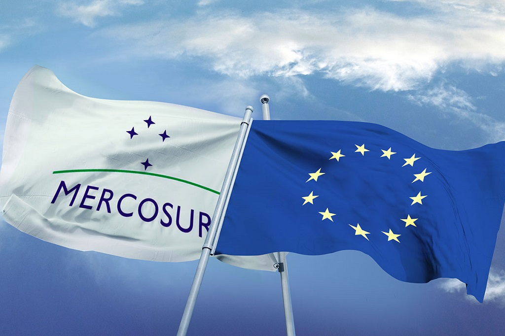 banderas Mercosur y Unión Europea