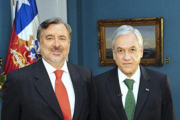 Alejandro Guillier y expresidente Sebastián Piñera, 23.5.2012 | Foto: tu Foto con el Presidente, vía Flickr