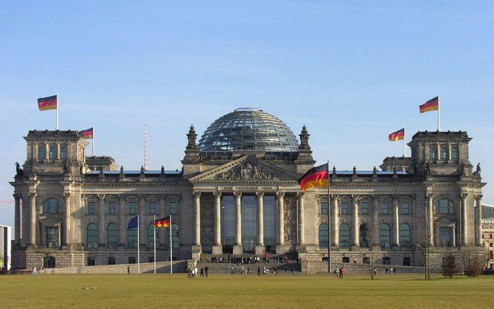Sede del Parlamento Federal (Bundestag) alemán en Berlín | Foto: Wolfgang Pehlemann, vía Wikicommons
