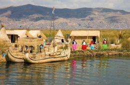 Aldea aborigen aymara en el lago Titicaca, Perú | Foto: Andrew Miller, vía Flickr