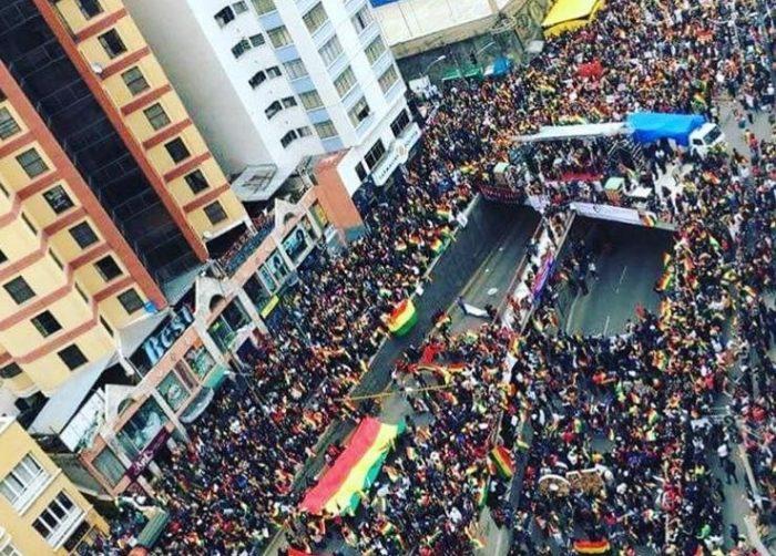 Manifestación en defensa del resultado del referéndum en La Paz