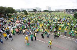 Manifestantes contra Lula protestan en la explanada de los Ministerios, en Brasilia   Foto: Fabio Rodrigues Pozzebom, EBC Agência Brasil