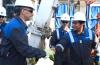 El presidente Mauricio Macri recorrió en Neuquén las instalaciones del yacimiento de gas de Vaca Muerta   Fuente: Infobae