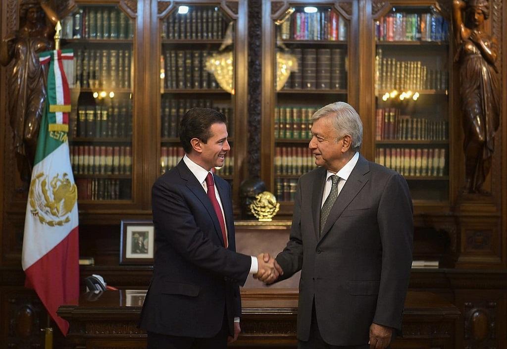 Andés López Obrador y el presidente saliente Enrique Peña Nieto preparan el cambio de mando