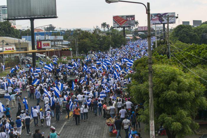 Multitud marcha en Managua en reclamo de democracia, 9.5.2018 | Foto: J: Mejía Peralta, vía Flickr