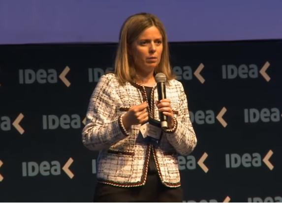 Rosario Altgelt, presidente del 54° Coloquio IDEA,   Imagen: canal Youtube IDEA Arg
