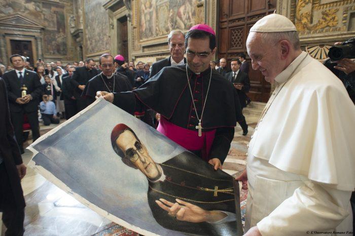 De lo político-religioso a lo político en la canonización de monseñor Romero  – Diálogo Político