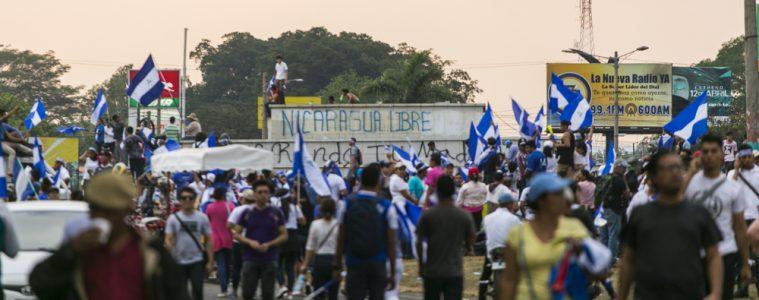 Multitudinaria marcha de la sociedad civil en Managua, 9.5.2018 | Foto: Jorge Mejía Peralta, vía Flickr