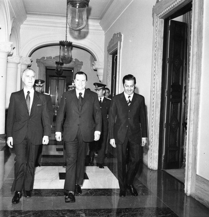 El canciller Arístides Calvani, el presidente de Venezuela Rafael Caldera y José Alberto Zambrano, futuro canciller del gobierno del democratacristiano Luis Herrera Campíns. Casa Amarilla de Caracas, 1972