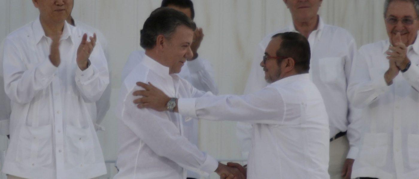 Firma del acuerdo de paz | Foto: Presidencia de El Salvador (detalle), CC0