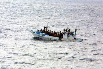Barca de refugiados en alta mar | Foto: pixabay