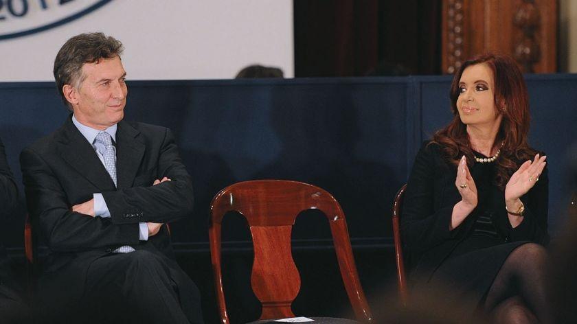 Mauricio Macri y Cristina Fernández disputan el liderazgo en Argentina