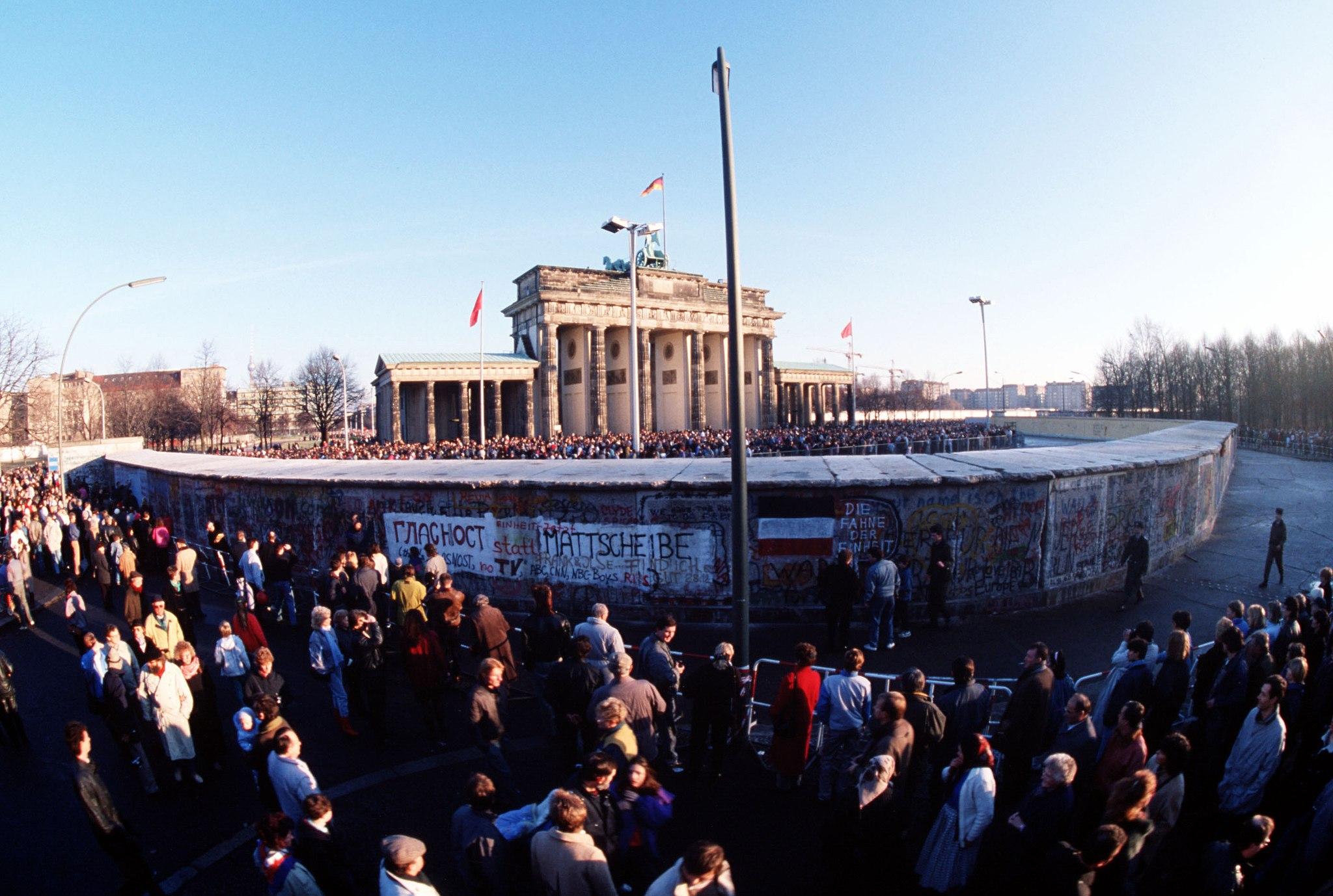 Muro de Berlín, 9 de noviembre de 1989 | Foto: SSGT F. Lee Corkran, vía WikiCommons